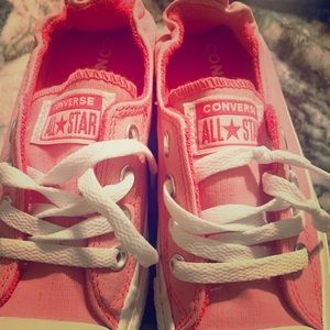 Hot pink converse kicks!